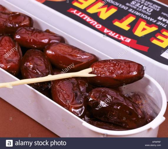 box-of-eat-me-dates-apmp6f