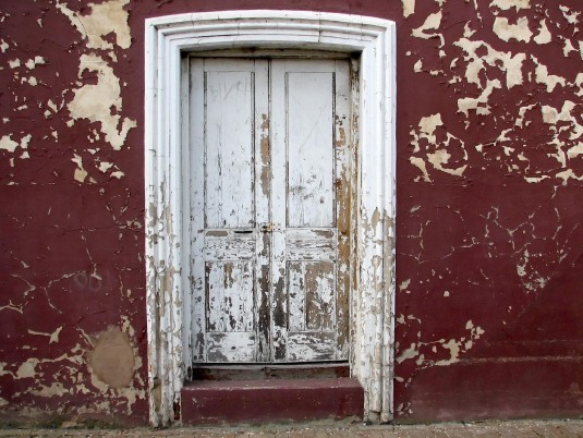 peeling-paint-door-1