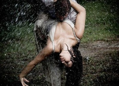 kissing-in-the-rain-04_large