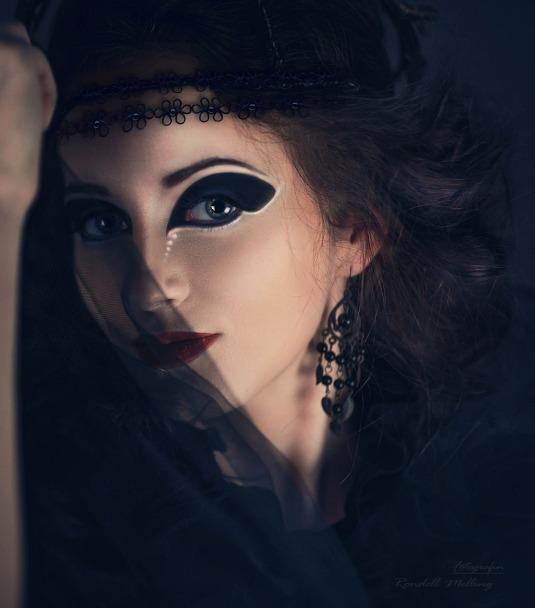 woman-532914_1280.jpg
